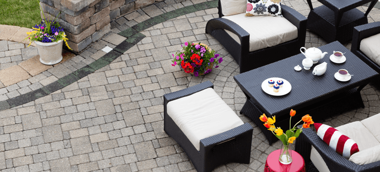 summer-home-decor-ideas-patio-image